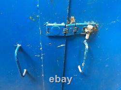 Heavy Duty Steel 2 Door Cabinet With Shelves (5037)