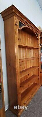 Large Solid Antique Mexican Pine Bookcase With 5 Shelves & Stained Glass Inserts