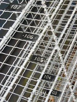 Grands Compartiments D'unité De Support De Rayonnage De Mur En Métal De Style Industriel Vintage