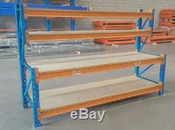 Heavy Duty À Palettes Travail / Banc D'emballage (2400mm X 900mm) Avec Des Étagères