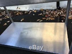 Heavy Duty Coin Travail En Acier Inoxydable De Préparation Table Avec Sous Tablette De Commerce