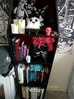 Onen Emporium Large 5ft Coffin Shelf Professionnellement Fait Gothique Bibliothèque Effrayante