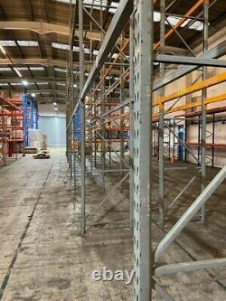 Palette D'entrepôt Lourd Racking 2 Droit 6.1m X 900mm Et 4 Faisceaux 2.8m £180