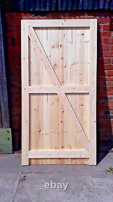 Portes De Garage En Bois Encadrées Cadre Robuste, Bordé Et Bracé 2140mm X 2220mm