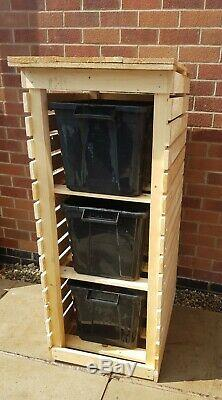 Recycle Bin Store / Log Magasin, Triple Shelvs