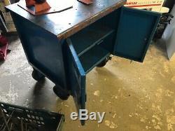Très Robuste De Roulement Workbench Épais 1000kg Dessus En Acier Avec Portes Et Étagères